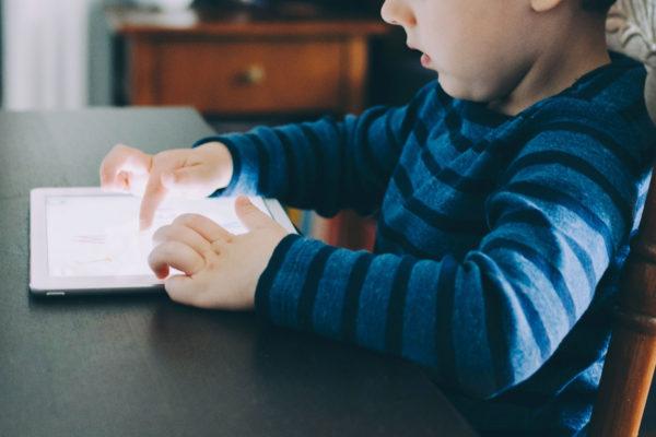 parents fermes bienveillants face aux écrans